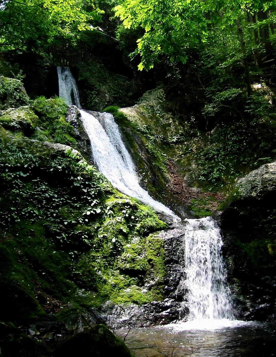 海沢三ツ釜の滝