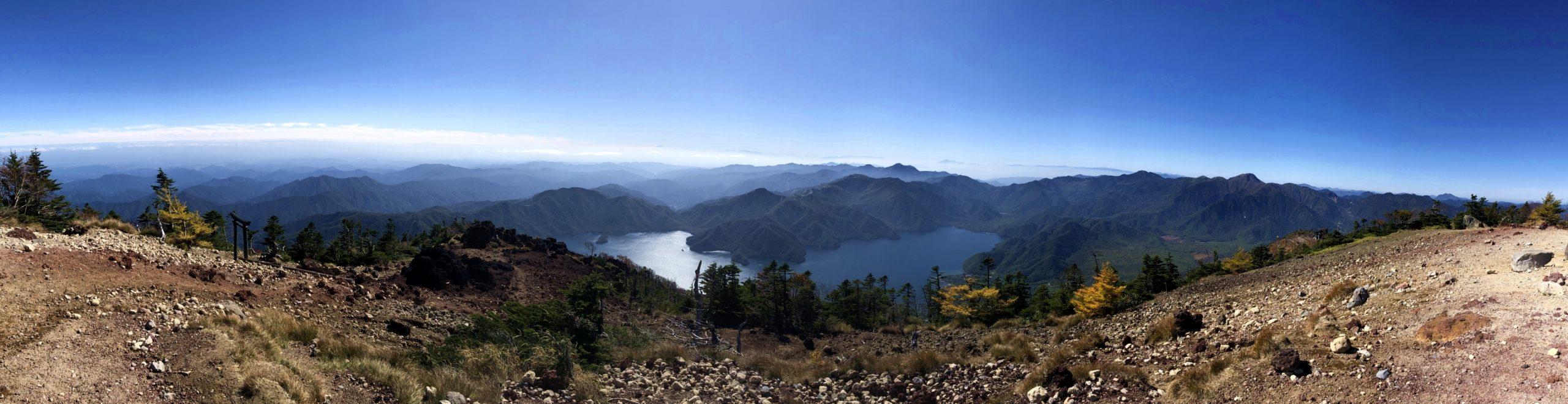 男体山山頂のパノラマ
