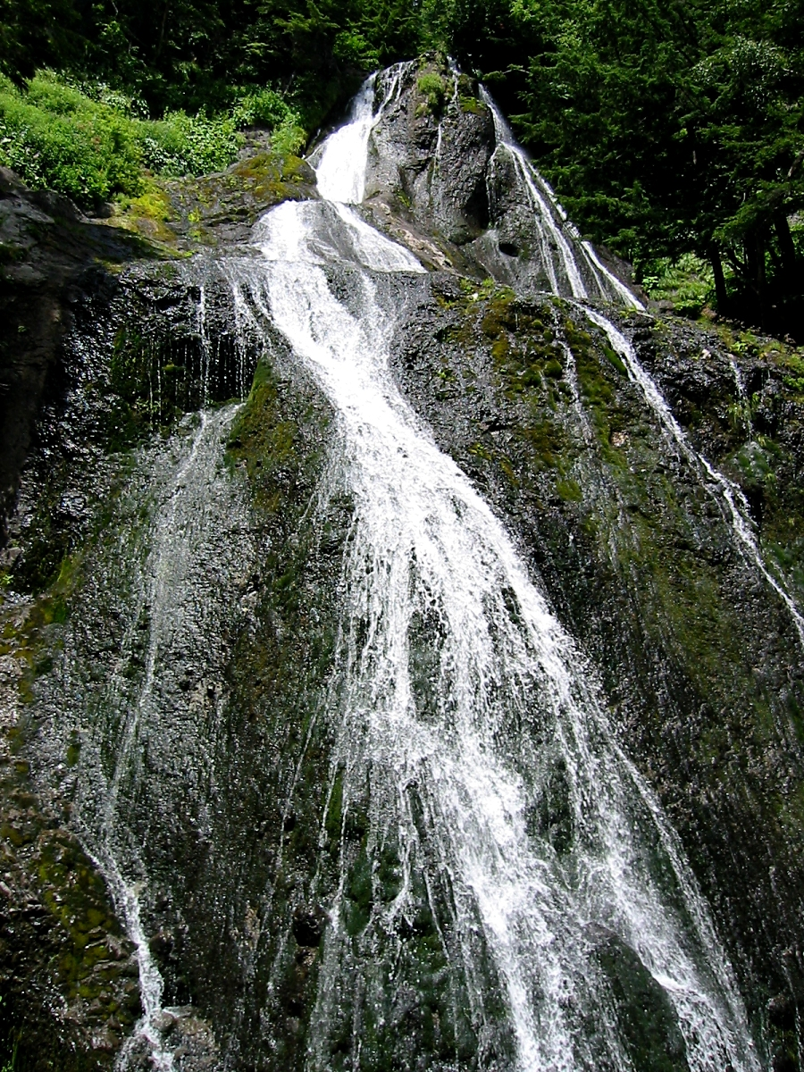 三本滝(クロイ沢の滝)