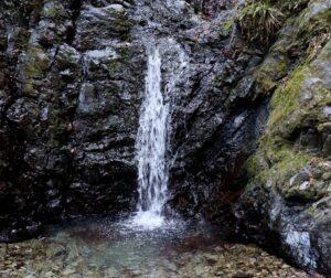 金剛の滝(雌滝) 八王子市 落差:4m
